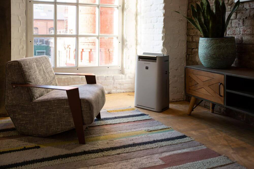 Oczyszczacz powietrza Sharp z funkcją nawilżania i jonizacji