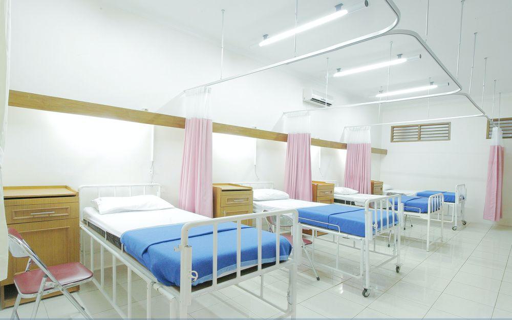 Wnętrze sali szpitalnej