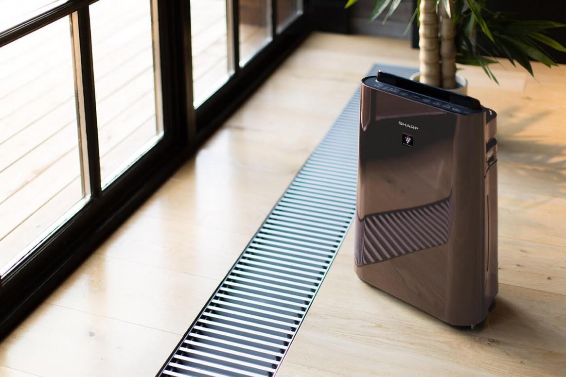 Aranżacja oczyszczacza Sharp UA-HD40E-T w salonie