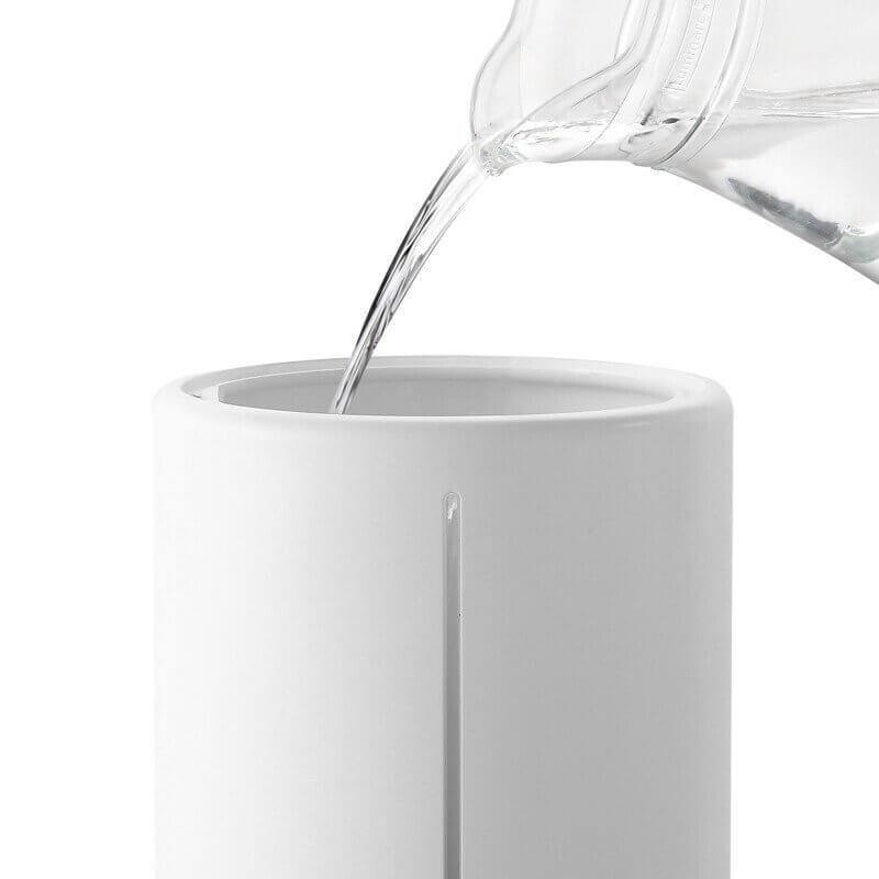Wlewanie wody do zbiornika Xiaomi Mi Smart Antibacterial Humidifier