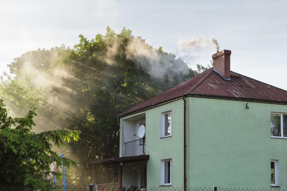 zanieczyszczone powietrze na przedmieściach